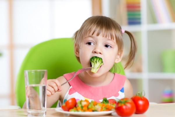 Nawet dzieci mogą być nadiecie wegetariańskiej