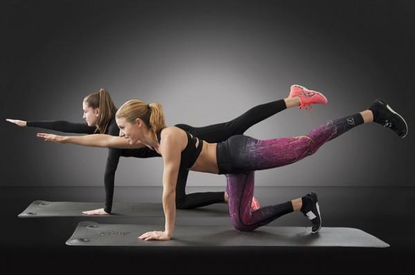 Najczęściej popełniane błędy podczas ćwiczeń. Wady postawy iaktywność fizyczna.
