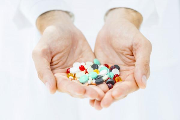 Niekorzystny wpływ leków nawchłanianie składników pokarmowych istan odżywienia
