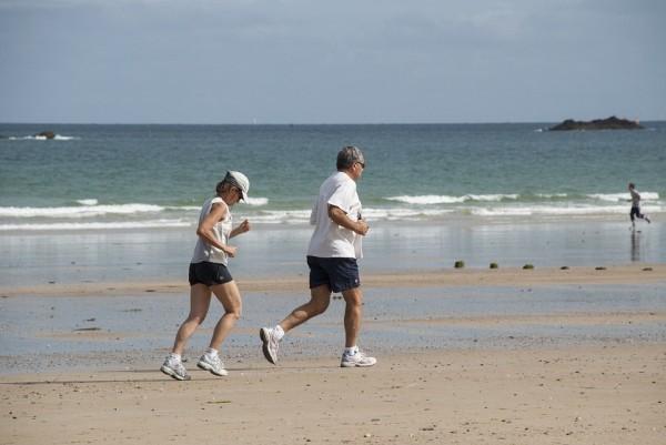 Korzyści zdrowotne zpodejmowania aktywności fizycznej wwieku dojrzałym