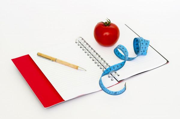 Normy żywienia człowieka – podstawą zaleceń zdrowej diety