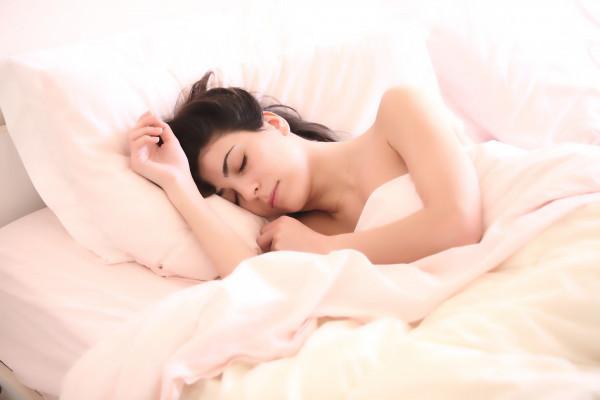 Czydługość snu ma związek zotyłością iwiększą śmiertelnością?