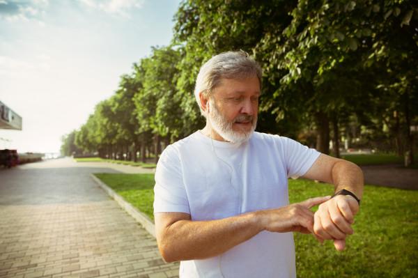 Czyosobiste elektroniczne urządzenia mobilne motywują doaktywności fizycznej?