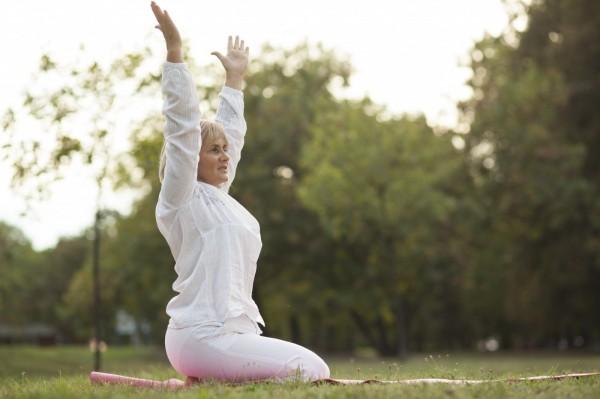 Aktywność fizyczna w okresie menopauzy. Jak i kiedy ćwiczyć?