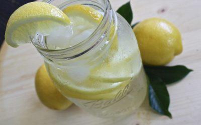 Czywarto pić wodę zcytryną isodą oczyszczoną?